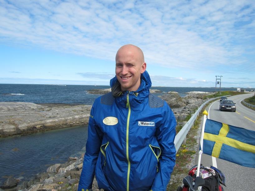 Här har Rasmus precis satt på kedjan igen när den har börjat krångla ännu en gång!