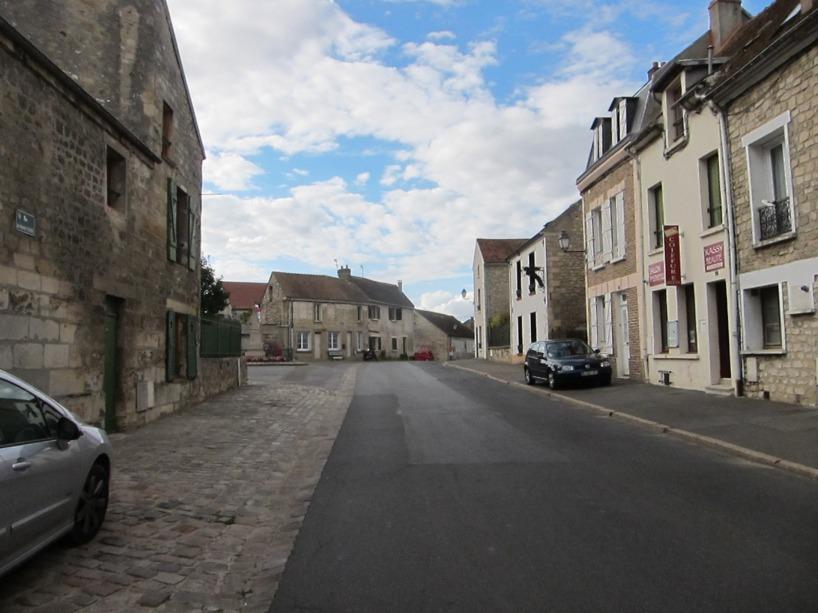 De flesta byar var stendöda och vi undrade om de faktiskt bodde människor där...