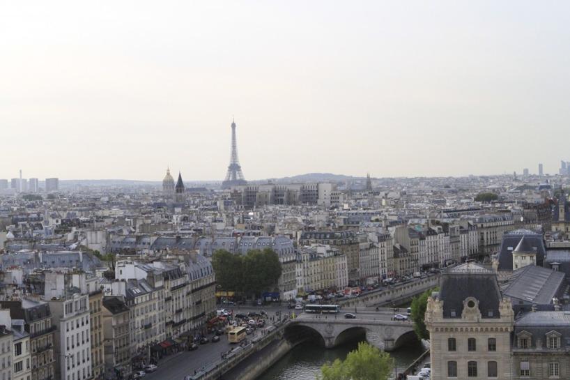 Från Notre Dames torn hade vi utsikt över vackra Paris! 5.50Euro kostar ett besök upp hit, om man är under 25år, 8.50 Euro för de som är äldre.