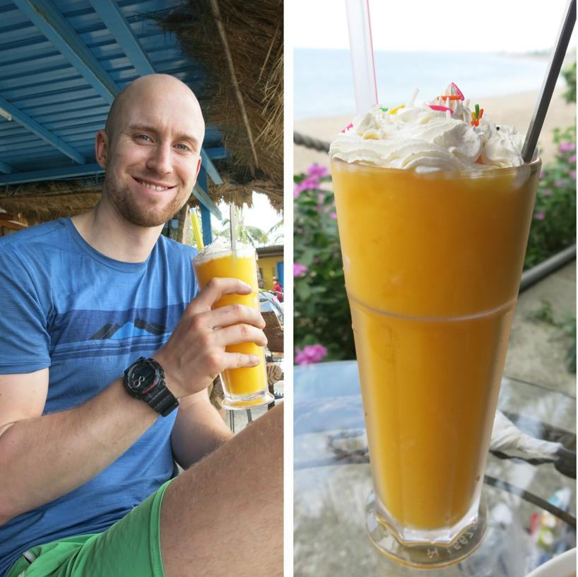 Färsk mango smoothie med massa grädde på toppen - ja tack!
