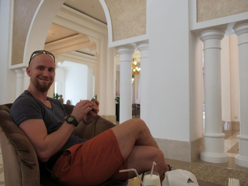 De nybryggda kaffet i lobbyn var makalöst gott. Deras kaffedrinkar ännu bättre. Härligast var kardemummadoften som låg i hela rummet och livemusiken från pianisten som satt där i tid och otid.