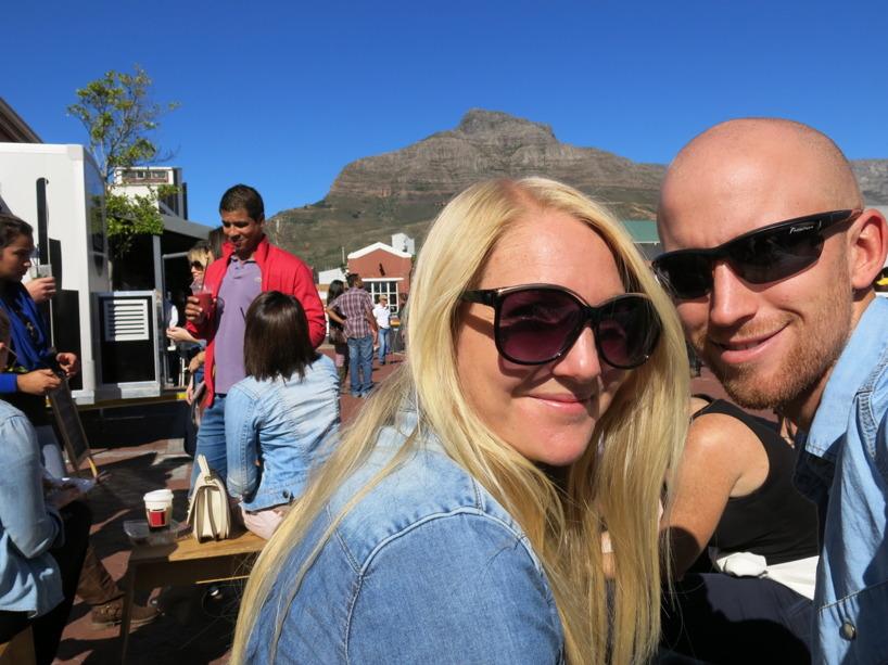 Det är så vackert med Table Mountain runtomkring centrala Kapstaden!