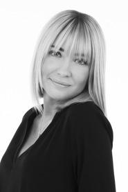 AMANDA SINCLAIR/ ANSTÄLLD FRISÖR & BARBERARE