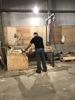 I verkstaden reparerar och tillverkar vi pallar
