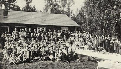 Grov- och fabriksarbetareförbundets avd 240 firade sitt 10-årsjubileum i det ursprungliga Folkets hus i Dyltabruk den 22 juli 1934.
