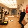 Utstillingen bygges opp og fotograferes av Orion