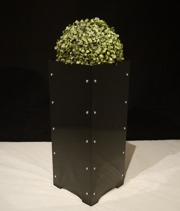 Blomkruka/ Planteringskärl, blank svart