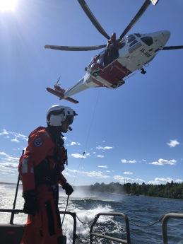 Vinschövning med SAR-helikoptern i Norrtälje.