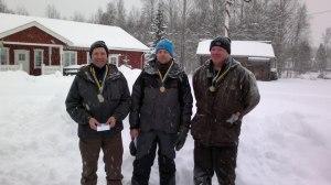 Medaljtrion i Herrsenior. Fr v. 2:a Lars Jansson, 1:a Björn Hols  och 3:a Per Gref. Foto: Henrik Persson