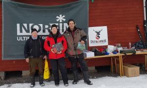 """Söndagens topp trio. Vinnare Jari Taskinen (mitten), tvåa Evert Hellqvist (vänster) och trea Thomas """"Mr Sweden"""" Axelsson (höger)"""