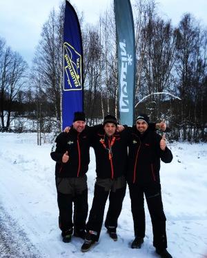 Prispallen med förra årets totalvinnare Thomas Axelsson i förarsätet direkt i första deltälingen.