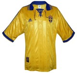 SVERIGEs förstatröja 1998 - 1999 front