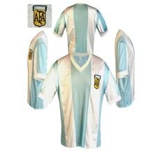 Till ARGENTINAs hemmatröja i Spanien-VM 1982