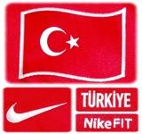 TURKIETs förstatröja i Schweiz/Österrike-EM 2008 detaljer