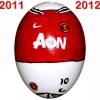 Till MANCHESTER UNITEDs fotbollsägg 2011 - 2012