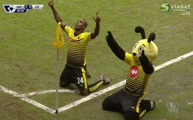 Ighalo och Harry firar 3-0 målet