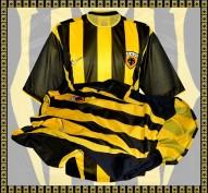 AEK FCs förstatröja 2002 - 2004 sida