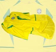BRASILIENs förstatröja i VM i Japan/Sydkorea 2002 sida