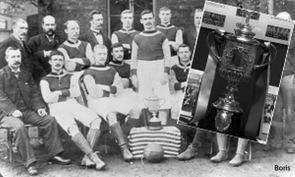Aston Villa med FA-cup pokalen som stals.