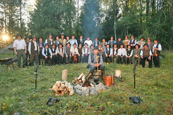 Saxdalens manskör: Helgdagskväll vid timmerkojan