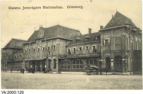 På färdvägarnas omslagsbild nr 33 2017, föreställande Göteborgs järnvägsstation. Vykort daterat 1911. Göteborgs stadsmuseum.