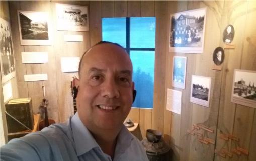Det är Jörgen Troncoso som håller Dan Andersson Museum öppet, med hjälp av museigruppen och stöd av AF. Välkommen in och säg hej!