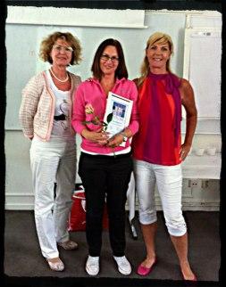 Ingela Gullberg, Heléne Nord och jag vid min diplomering till Certifierad Stress- & Friskvårdsterapeut.
