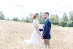 bröllopsfotograf göteborg, Åsa Lännerström, uddetorps säteri, äng, esther franke bröllopsklänning, bohemiskt bröllop, lantligt bröllop, bröllopsfest uddetorps säteri, bröllop uddetorp, bröllopsporträtt