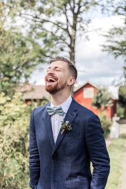 bröllopsfotograf göteborg, Åsa Lännerström, uddetorps säteri, first look, brudgum, linnekavaj, bohemiskt bröllop, lantligt bröllop, esther franke bröllopsklänning, bröllopsporträtt, bröllopsfest uddetorps säteri, bröllop uddetorps säteri