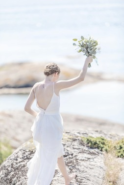 bröllopsfotograf göteborg, Åsa Lännerström, björkö, göteborgs skärgård, björkö seaside, bröllopsporträtt, eukalyptus, barfotabrud, björkö seaside bröllop