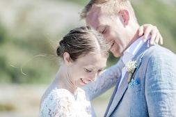 bröllopsfotograf göteborg, Åsa Lännerström, björkö, björkö seaside, göteborgs skärgård bröllop, linnekostym, bohemiskt bröllop, barfotabrud, bröllopsporträtt, västkustbröllop, bröllop björkö