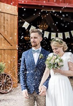 bröllopsfotograf Åsa Lännerström, bröllopsfotograf göteborg, bröllopsfotograf uddetorp, bröllop uddetorp, vigsel uddetorp, bröllopsfest uddetorp, lantligt bröllop, bohemiskt bröllop, esther franke bröllopsklänning