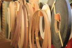 Snygga, hållbara profiler vittnar om kvalitet - Kantlistmaskinen används både till trä och MDF.