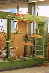 Klasssisk skåppress som hanterar detlajer upp till 250 cm