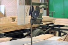 Vi har all klassik utrustning för tillverkning av kvalitetsmöbler.