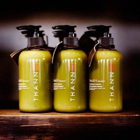 Naturprodukt som är fri från syntetiska doft och färgtillsatser samt parabener, Thann