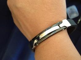 Armband i gummi och stål -