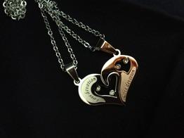 Hänge hjärta delbart m 2 kedjor i stål -