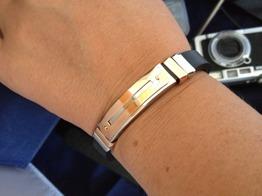 Armband i gummi med stål platta m koppar -