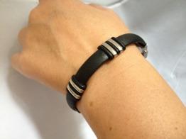 Armband i skinn m. stål detaljer -