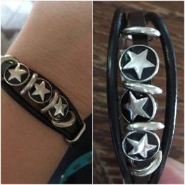 Läderarmband med stjärnor - Läderarmband med stjärnor
