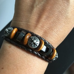 Brunt läderarmband med sol - Brunt armband med sol Orange