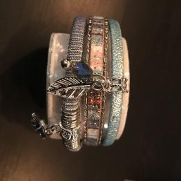 Armband i läder m sommarkänsla - Armband sommar Blå