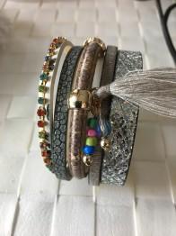 Armband beige,brunt med pärlor - Armband Ljus grå