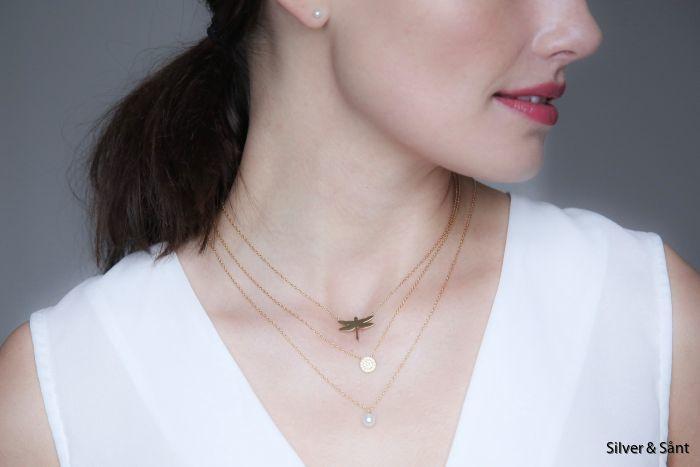 edblad-ss18-dragonfly-lilian-lottie-neckalace-gold-detail-ls_1