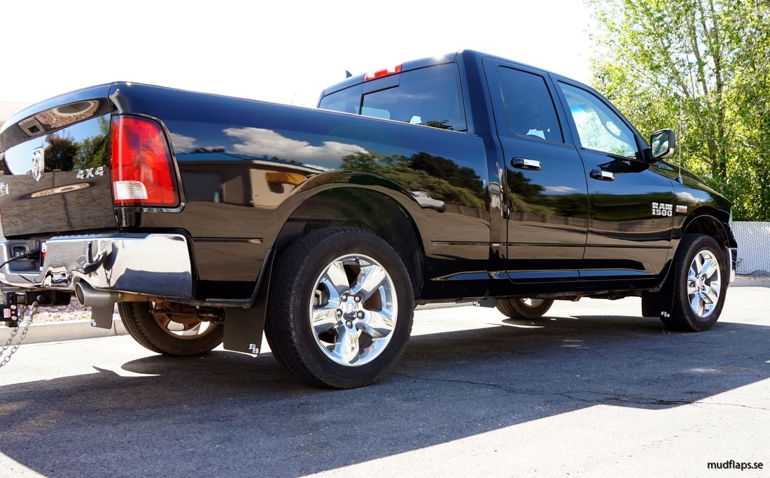Dodge ram 1500 stänklapp