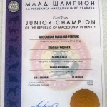 junior champion MAXI
