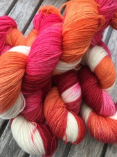 YARN TO WARM YOUR HEART sockgarn