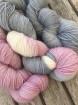 GARNLYCKAS 17dagarssjal - 17dagarssjal rosa/vit/grå