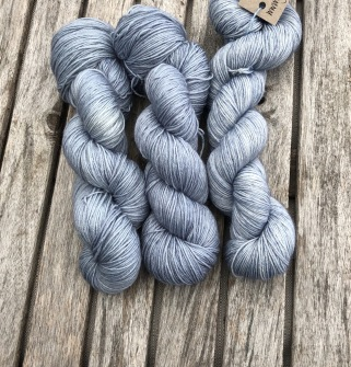 SKYBLUE  sockgarn - Skyeblue sock